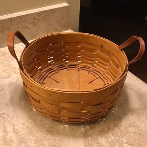 "Longaberger 9"" Round Basket w/ Leather Handles"
